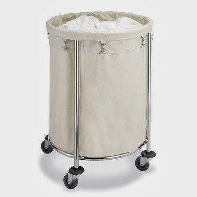 si pratique sur ces roulettes le panier linge qui se. Black Bedroom Furniture Sets. Home Design Ideas
