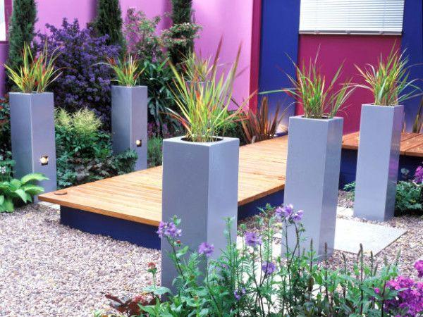 materiales para patios pequeños maceteros altos JARDINES PEQUEÑOS