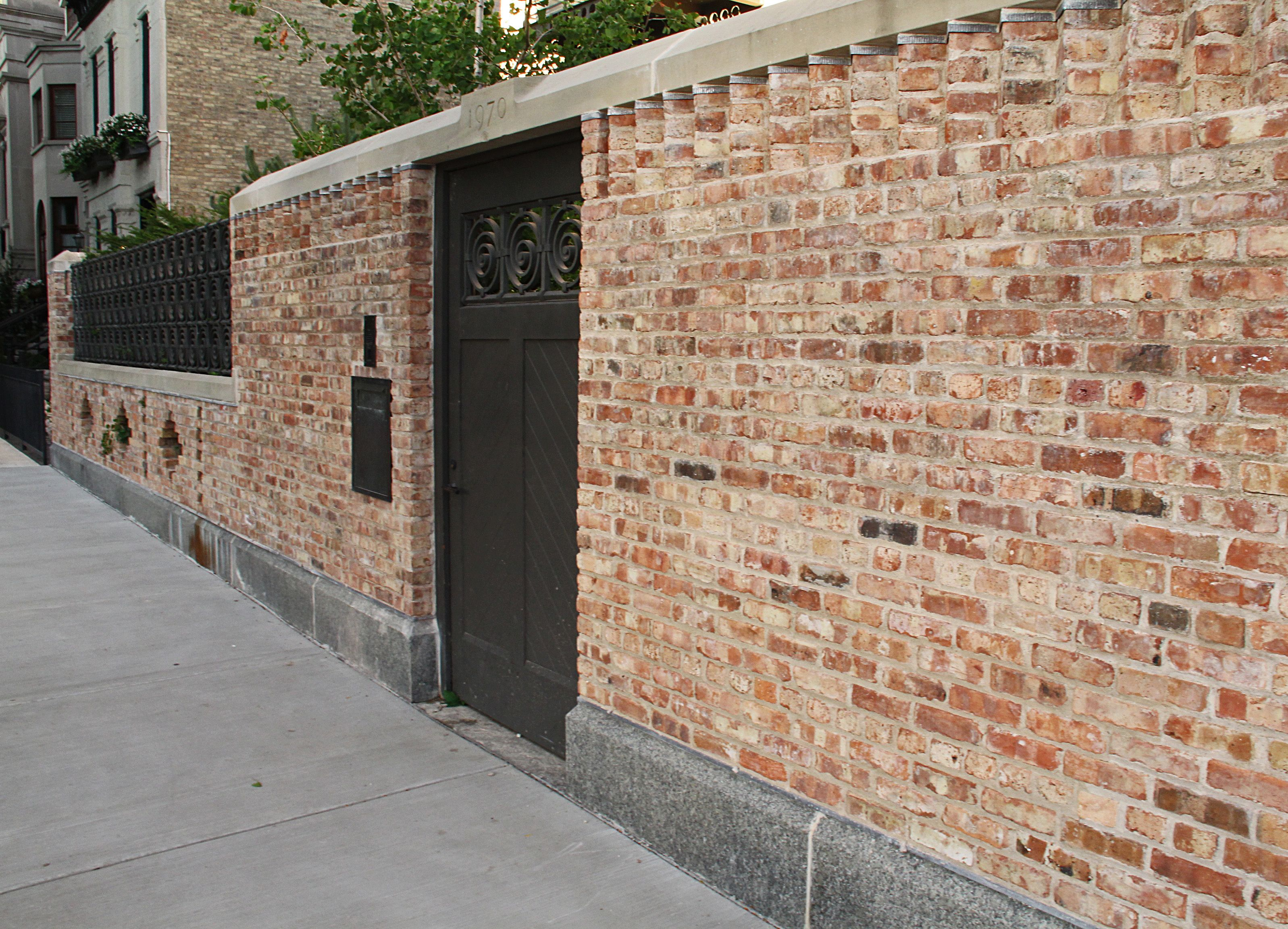 Reclaimed chicago brick house chicago brick house for Brick types and styles