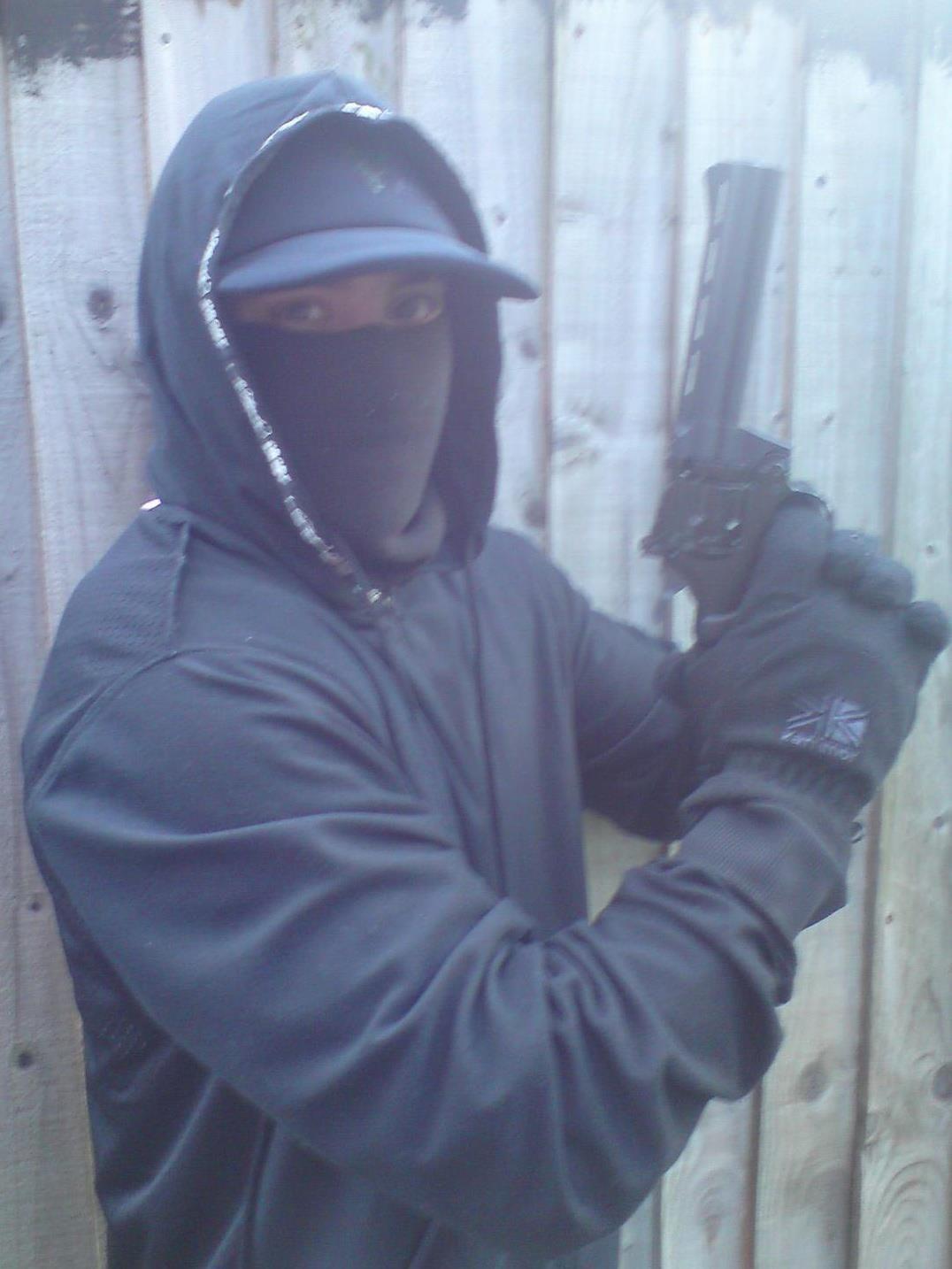 gun crime chic #scally #balaclava #violence | cool | Pinterest ...