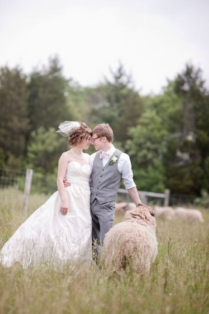 Bride and groom wedding photo | fabmood.com #farmwedding #rusticwedding #weddingideas #weddinginspiration #rustic