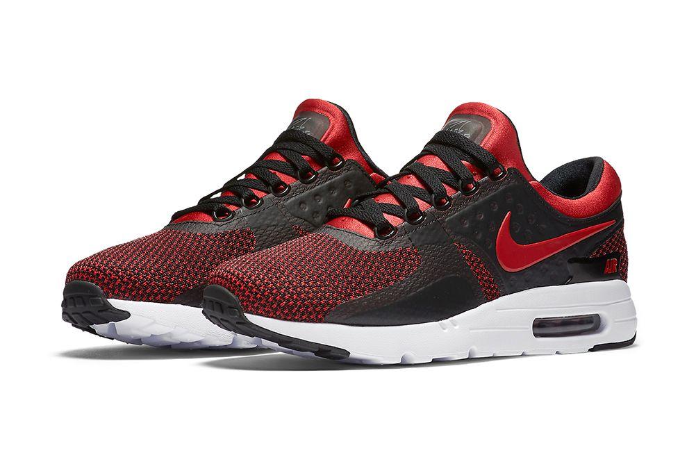 รองเท้าผู้ชาย Nike Air Max 90 Essential. Nike TH
