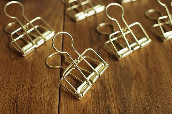 ** Price is for a set of 2 binder clips**  Ligne Clips for Travelers Notebook/Midori Journal (Gold color)  Size: Small / 19mm  Please join our