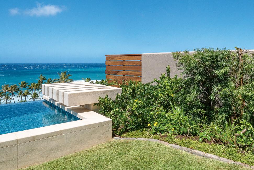 A Black Point Home S Elegant Backyard Frames Sweeping Ocean Views Hawaii Homes Backyard Ocean View