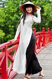 Guốc mộc – Vẻ đẹp mộc mạc, duyên dáng của người phụ nữ Việt Nam ...