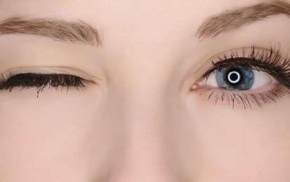 Cejas con jabón: La última tendencia para lucir cejas perfectas - Sigue la última tendencia y consigue unas cejas gruesas y perfectas con jabón en tan solo 2 minutos. ¡Te vas a sorprender del resultado!