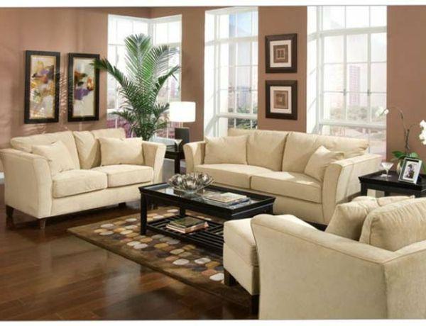 wohnzimmer gestalten - weiße möbel teppich große fenster - ideen zum wohnzimmer streichen