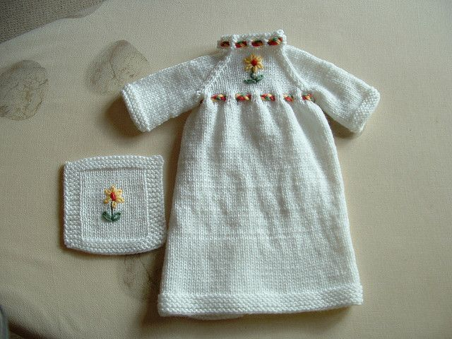 Ravelry Gown For Baby Born Asleep Pattern By Doris Lord Preemie