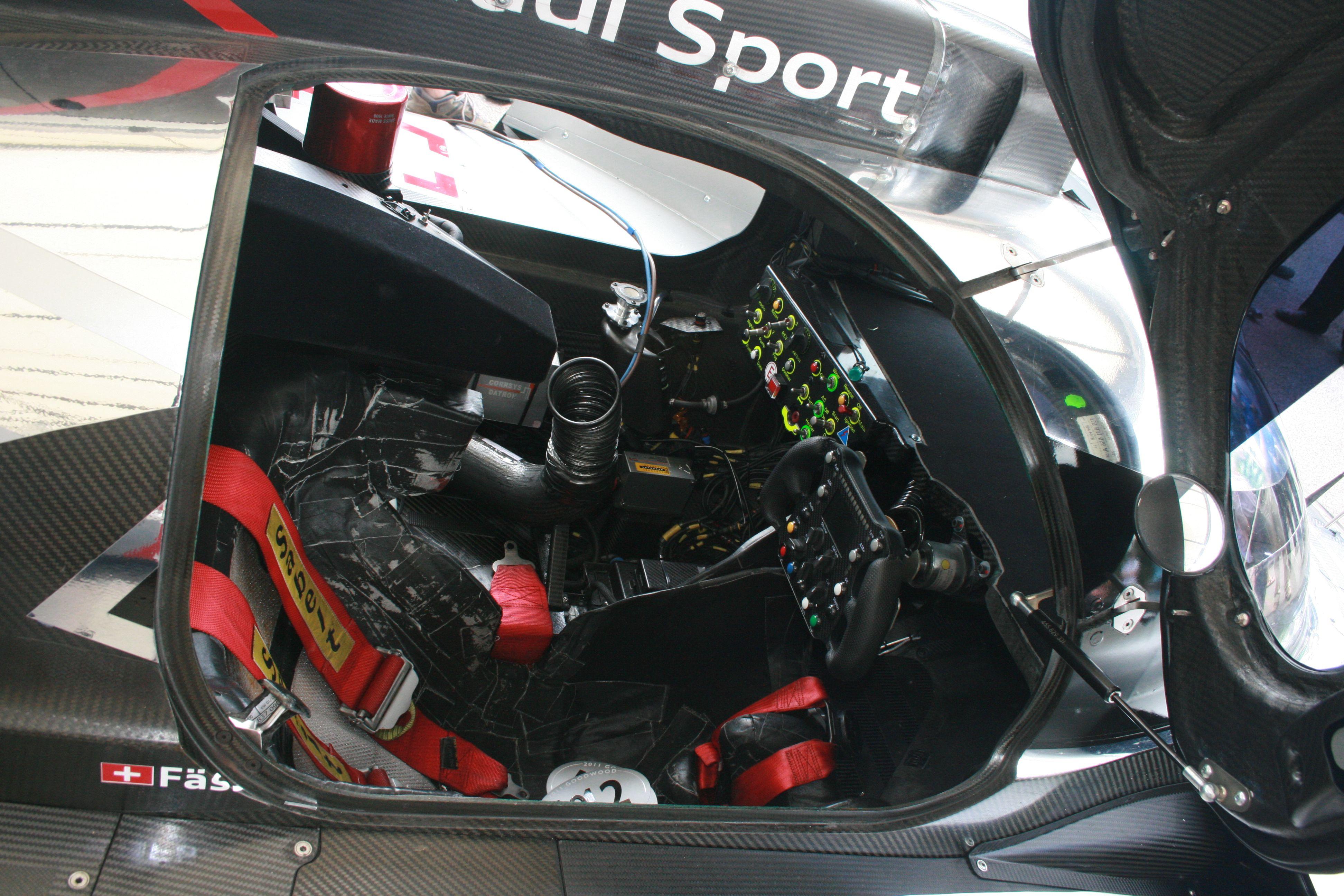 Audi R18 | Le mans interior | Pinterest | Audi r18 and Audi | {Auto cockpit audi 49}