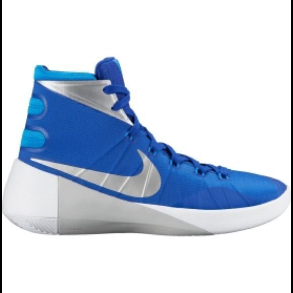 Nike Women s Hyperdunk 2015 Basketball Shoes Designed to deliver  lightweight cbb75c482