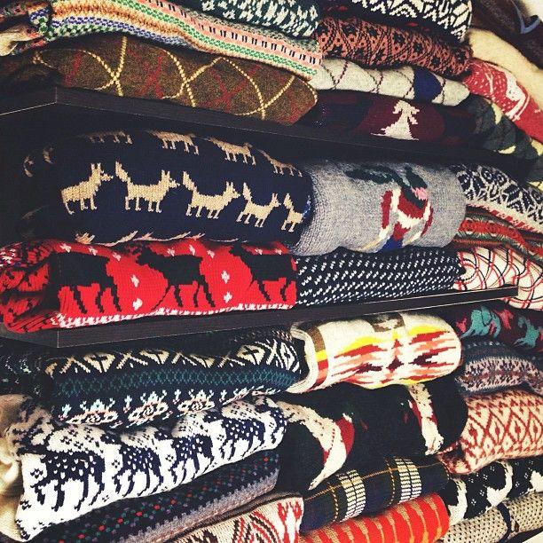 die besten 25 weihnachtspullover ideen auf pinterest h sslicher weihnachtspullover. Black Bedroom Furniture Sets. Home Design Ideas