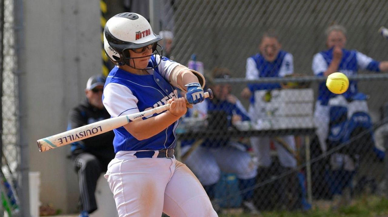 Tight Knit Suffolk Ccc Softball On Way To Series Softball World Series Suffolk Softball