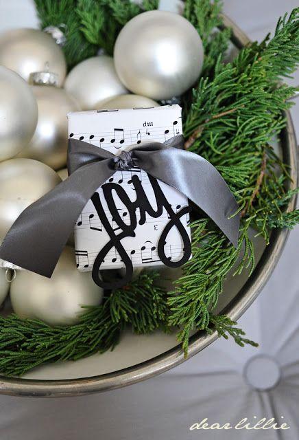 Gift wrap #Ribbon #Style Christmas gift wrap Pinterest Wraps