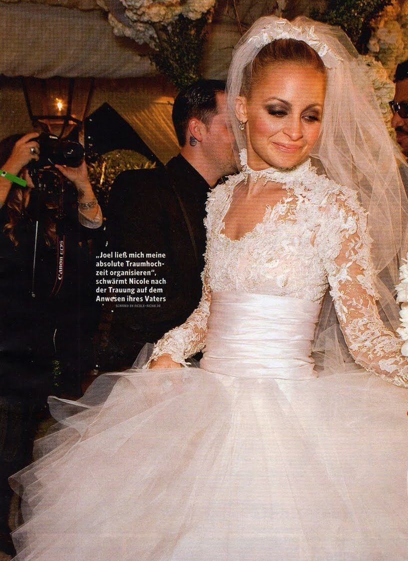 Nicole Richie Bridal Makeup Soft Brown Smokey Eye With Bronzed Skin: Nicole Richie Wedding Dresses At Reisefeber.org