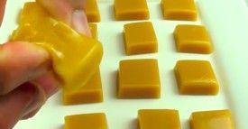 Auf dem Weg zum perfekten Snack-Abendessen musst du die Würstchenstücke um 90° drehen. #löffelbiskuitrezept