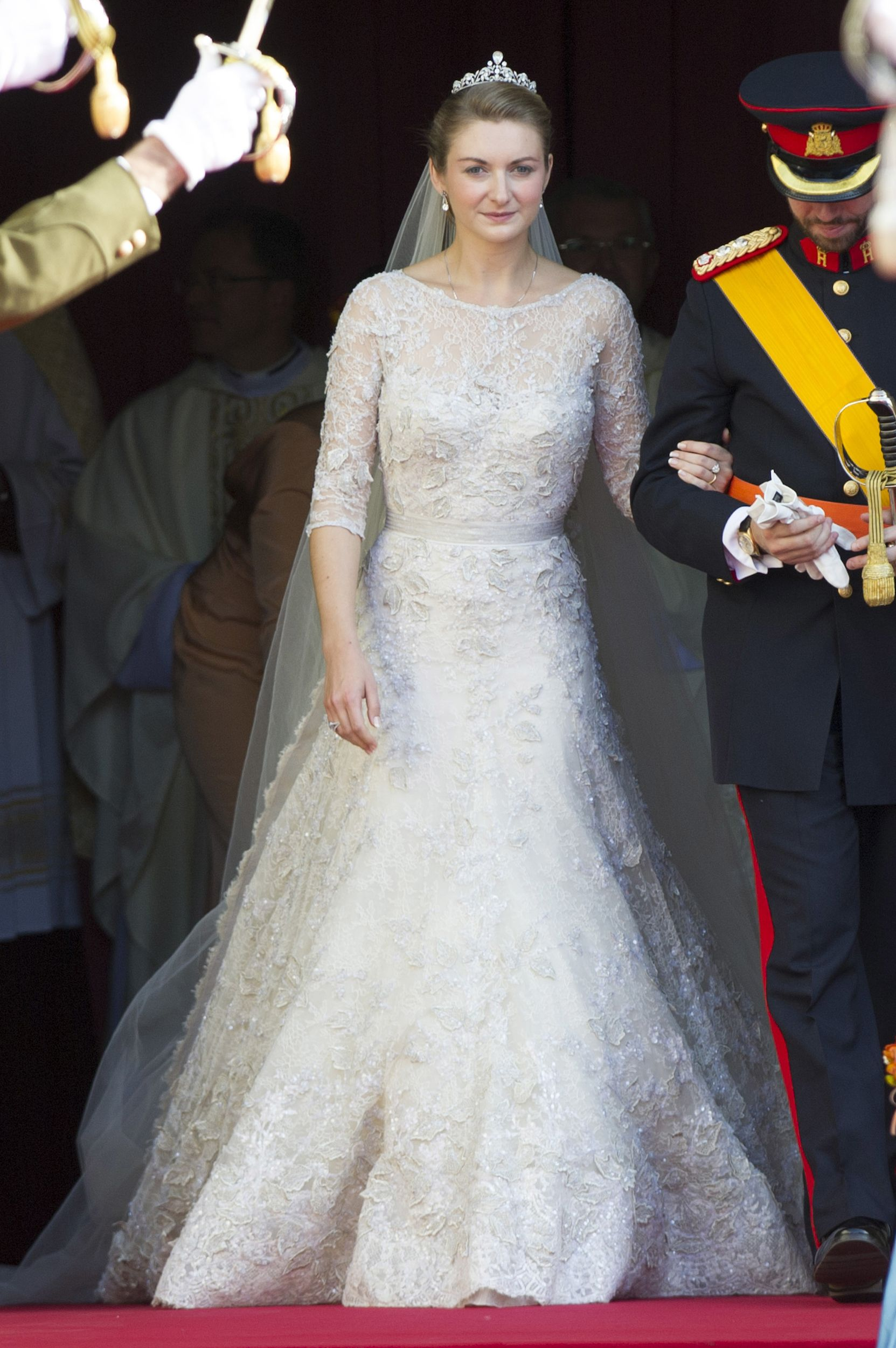 Prince Guillaume And Stephanie De Lannoy Of Luxembourg Princess Stephanie Was A Total Visio Celebrity Wedding Dresses Royal Wedding Gowns Wedding Dresses Lace [ 2500 x 1663 Pixel ]
