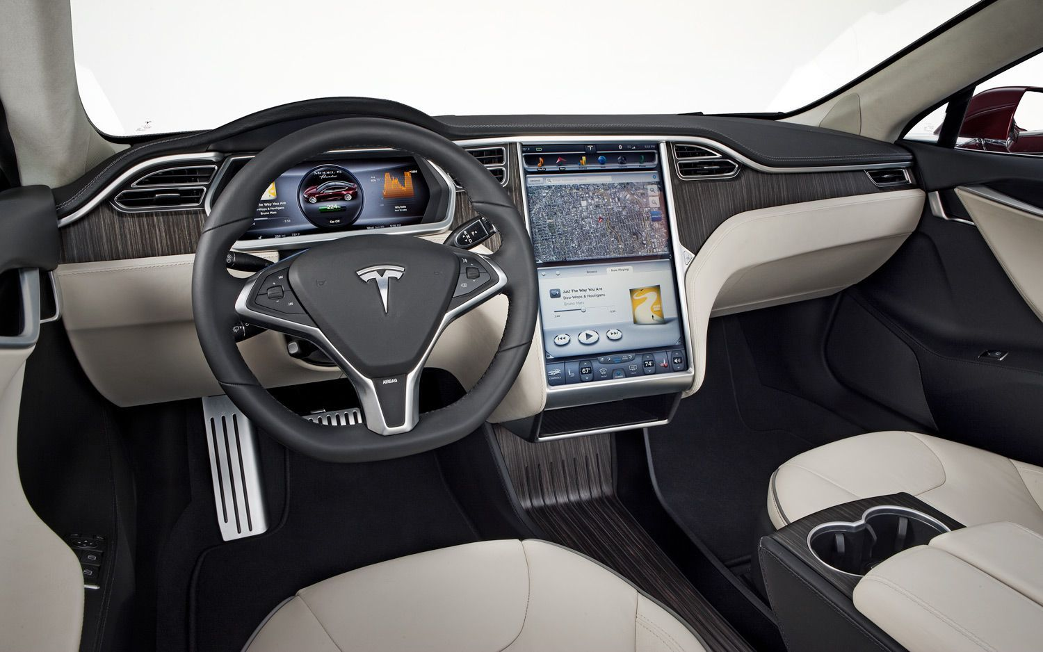 Tesla S Inside Is That A Full Touch Panel Finally Tesla Elektrische Auto S Automerk