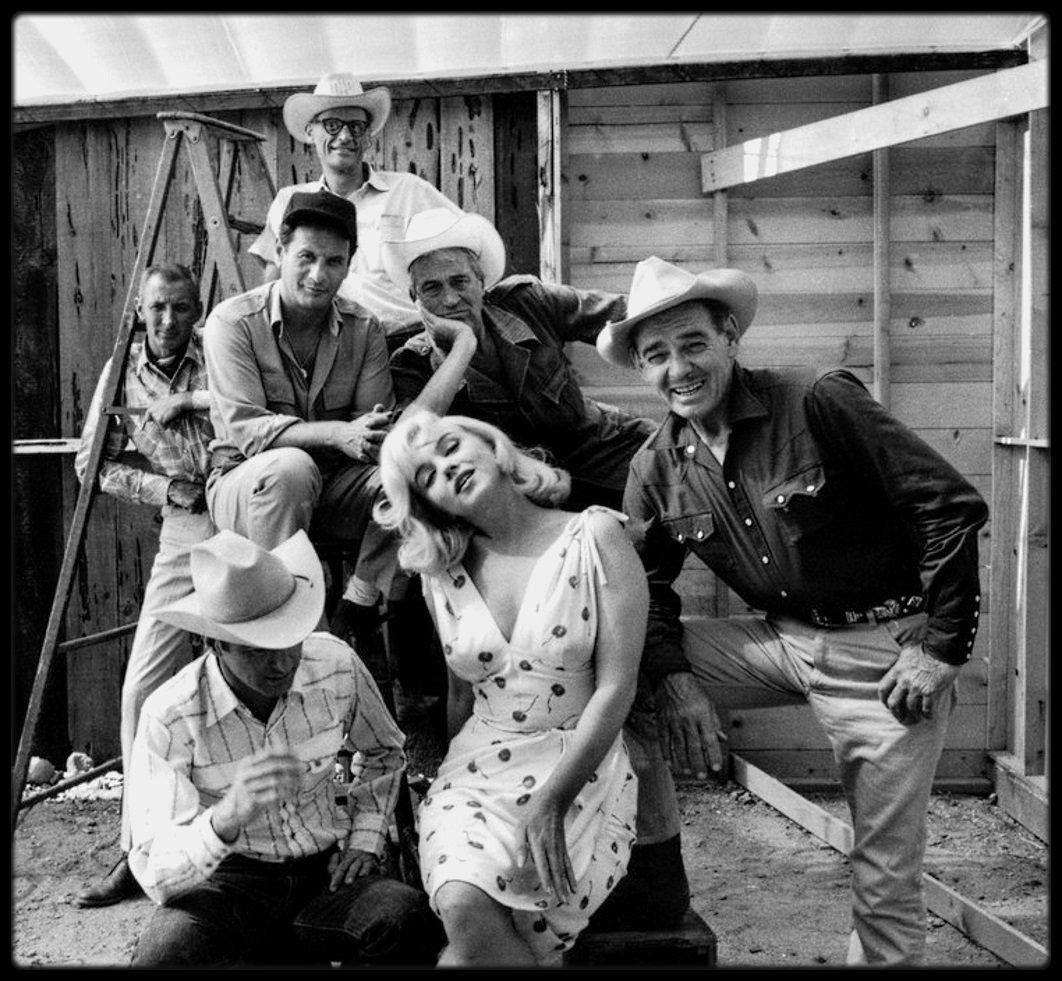 """1960 / Toute l'équipe du film """"The misfits"""" (Frank TAYLOR"""