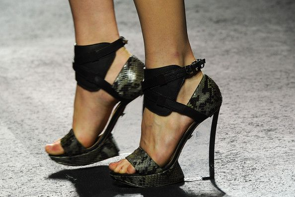 dépaysement: shoes at lanvin spring/summer 2011