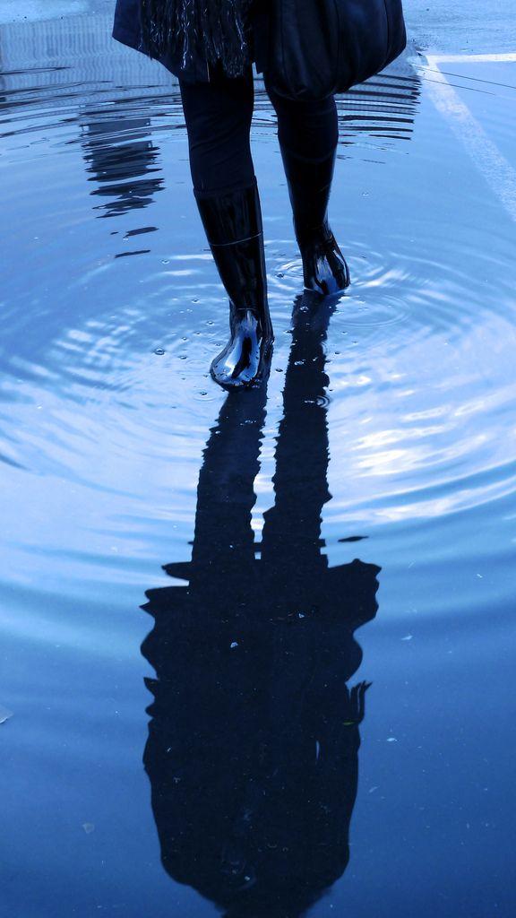 Rain: ripple effect by buzzygirl