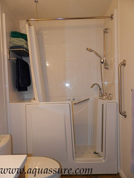 A 3 Wall Surround Liberty Walk In Tub With Shower Rod And Curtain Www Aquure 1 866 404 8827 For More Info Remodel Bestbath Accessible