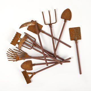 Mini outils de jardin rouill s x12 esprit brocante pour for Accessoires pour le jardin