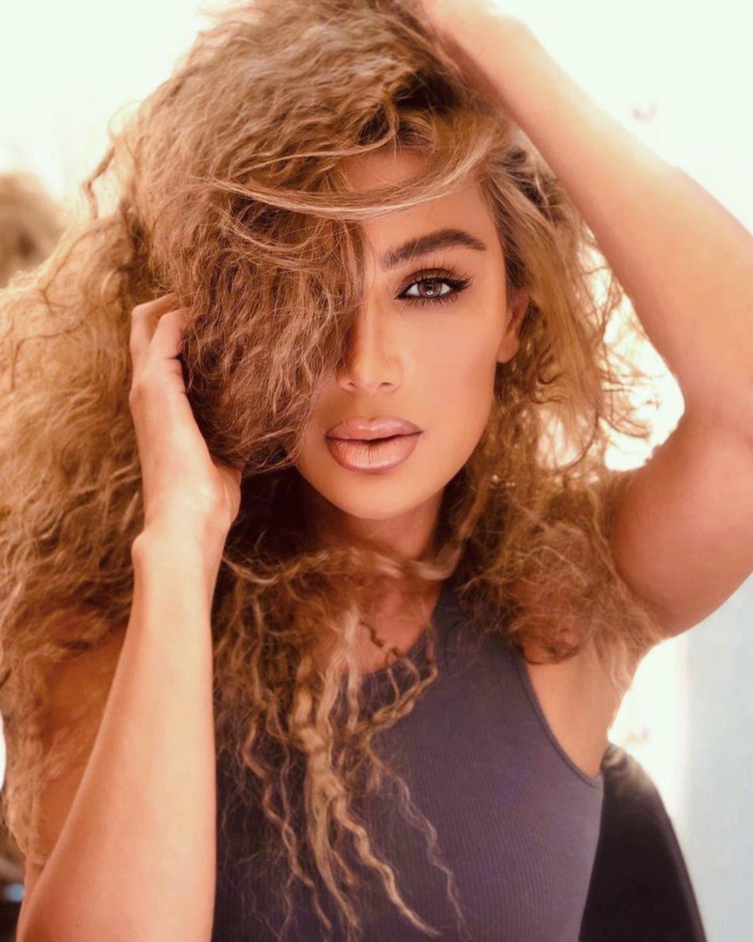 مكياج عيون خريف 2020 على طريقة مايا دياب مجلة سيدتي استعدي هذا الخريف لتجربة أجمل أساليب مكياج العيون المستوحاة من النجمة مايا دياب و Hair Styles Beauty Hair