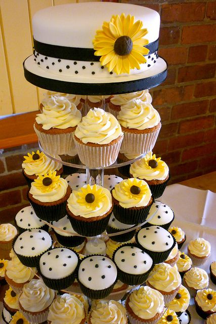 Sunflowers And Polka Dots Wedding Cupcakes With Images