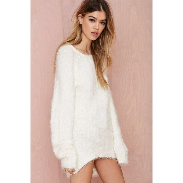 Knitz by For Love & Lemons Spring Fling Fuzzy Sweater (€115) ❤ liked on Polyvore featuring tops, sweaters, over sized sweaters, white oversized sweater, white fuzzy sweater, oversized crew neck sweater and oversized fuzzy sweater