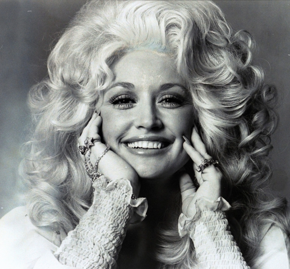 The Dolly Parton Beauty Rules! Straight From the Queen of Country's Own Mouth | Vogue