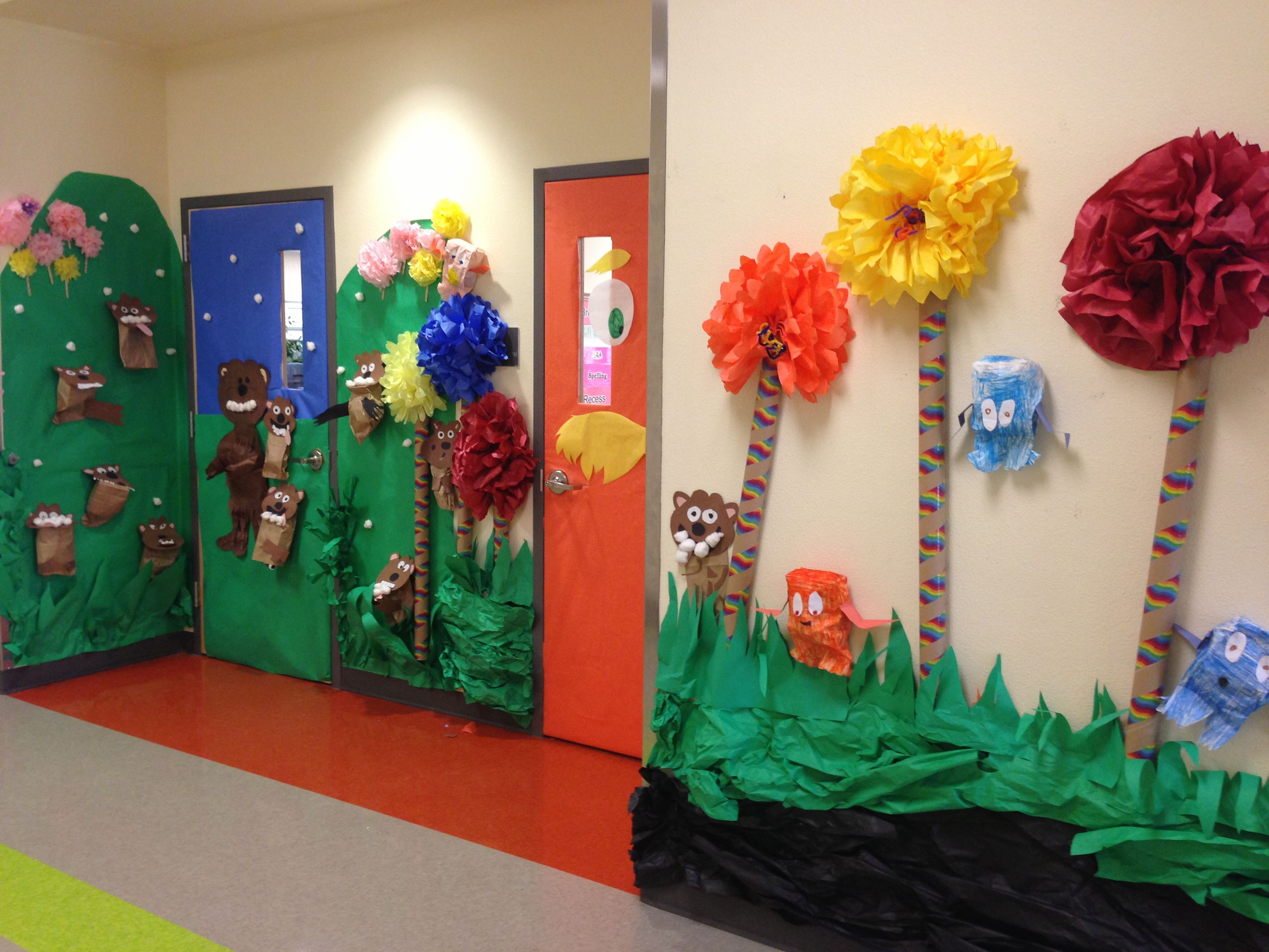 Classroom Decoration Ideas For Party ~ Dr seuss door decorating contest pizza party here we