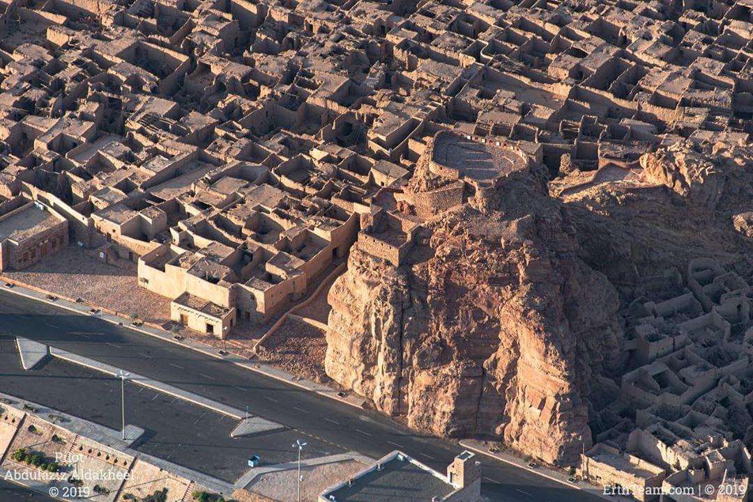 Abdulaziz Aldakheel Shared A Photo On Instagram الصورة السادسة لسلسلة توثيق مدينة العلا القديمة ومحيطها قلعة أم ناصر التاريخ Natural Landmarks City Photo