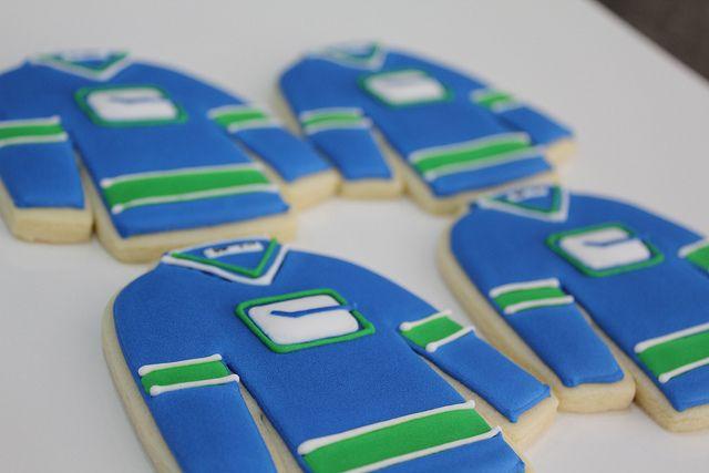 Canucks jersey cookies