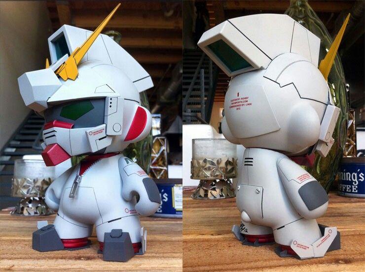 'Unicorn Gundam' Custom Munny by Rohby