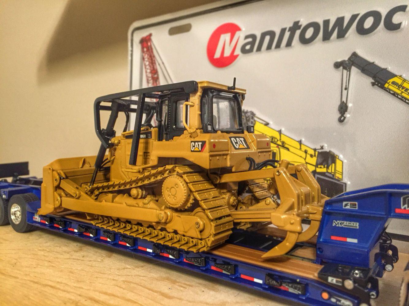 Toy Construction Equipment : Cat d r diecast construction pinterest