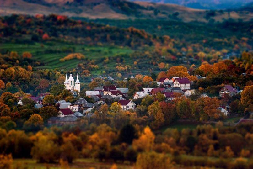 Este homem caminhadas até a Transilvânia montanhas todas as manhãs para a fotografia Sunrise - BlazePress   Roménia