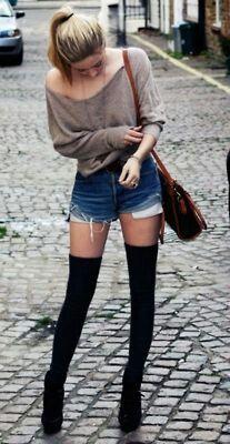 Vixenx Very Attractive Brunette Teen In Knee High Socks