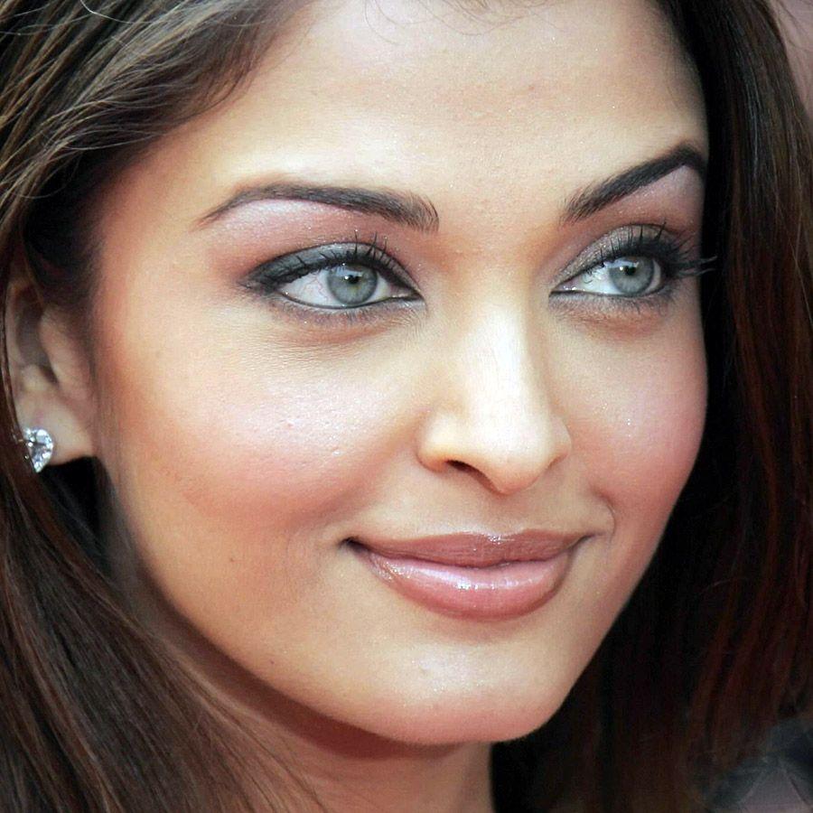 cea mai frumoasa actrita indiana ayesha takia Căutare
