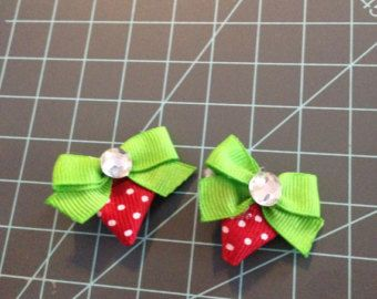 Strawberry hair clips by sceniccitybows on Etsy