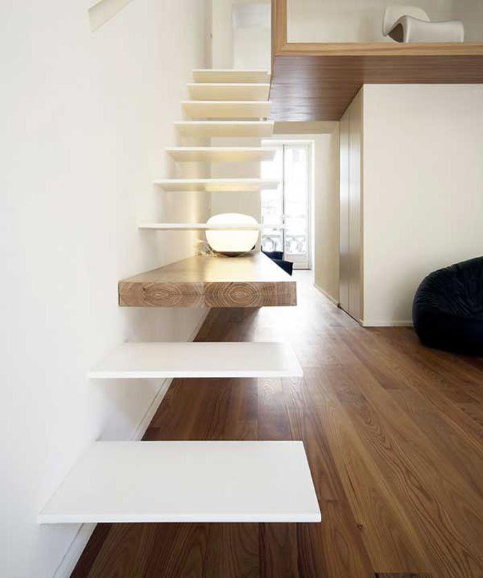 Escalier design avec une marche en bois | Stiegen, Treppe und Häuschen