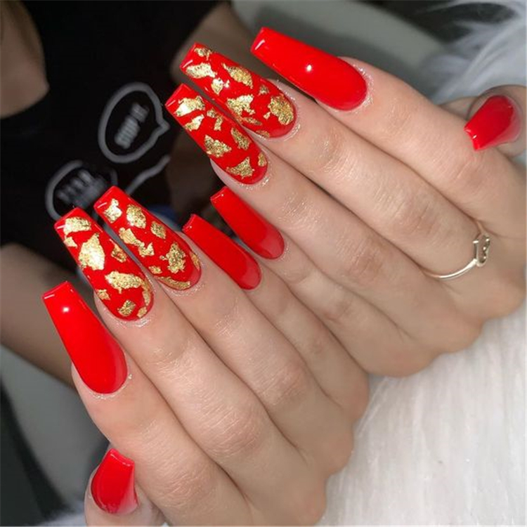50 Trendy Winter Red Coffin Nail Designs For The Christmas And New Year Page 34 Of 50 Women Fashion Lifestyle Blog Shinecoco Com In 2020 Gold Acrylic Nails Red Acrylic Nails Coffin Nails Designs
