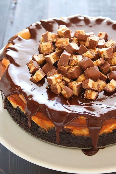 Snickers Cheesecake: With Snickers pieces inside and outside the cheesecake, you will be in candy heaven after one slice.