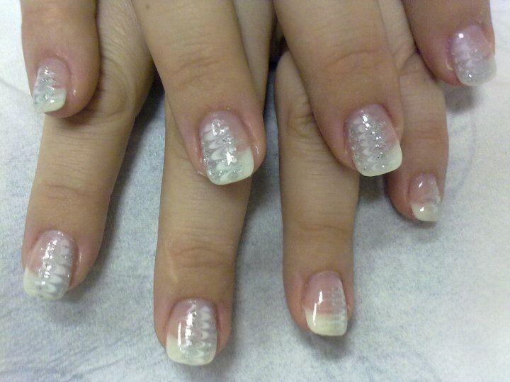 classy finger gliter french