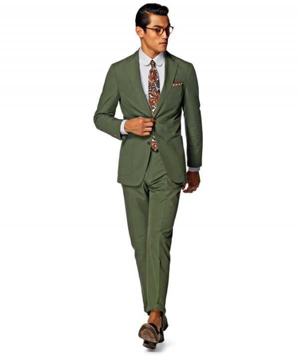 e58931f4369 5 Summer Suit Colors and How to Wear Them by FashionBeans.com ...
