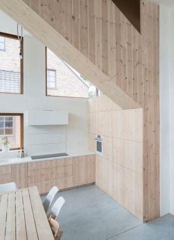 Complexe\' binnenruimte in witte rechthoek • Architect: Tim Peeters ...