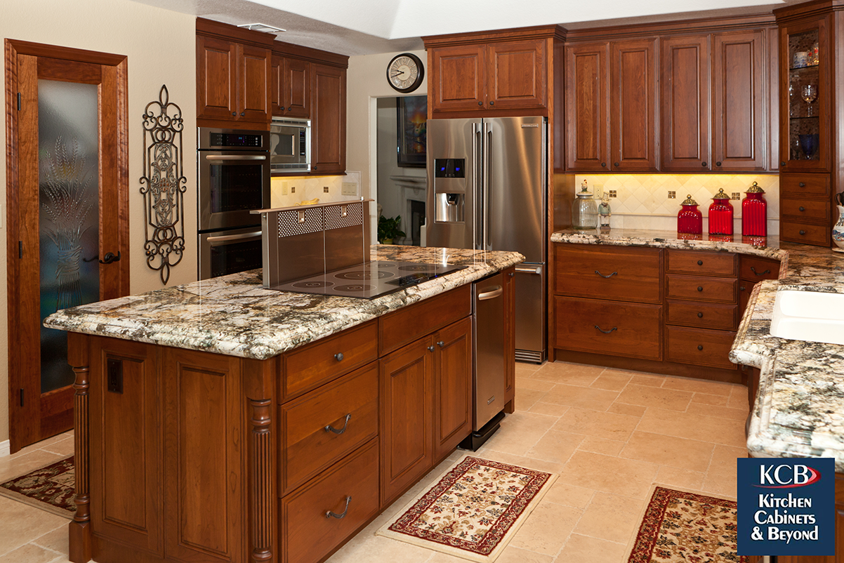 Traditional California Kitchen In Orange County California With Marble Counters And Built In Appliances The Latest Gad Kitchen Remodel Kitchen Design Kitchen