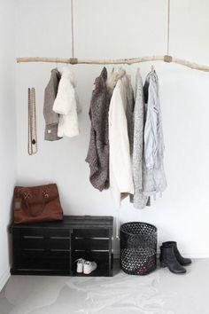 holz kleiderständer selber bauen ideen bügelkleider | basteln, Moderne