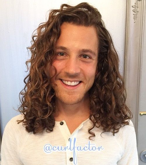Long Curly Men S Hairstyle Curly Hair Men Curly Hair Styles Long Hair Styles Men