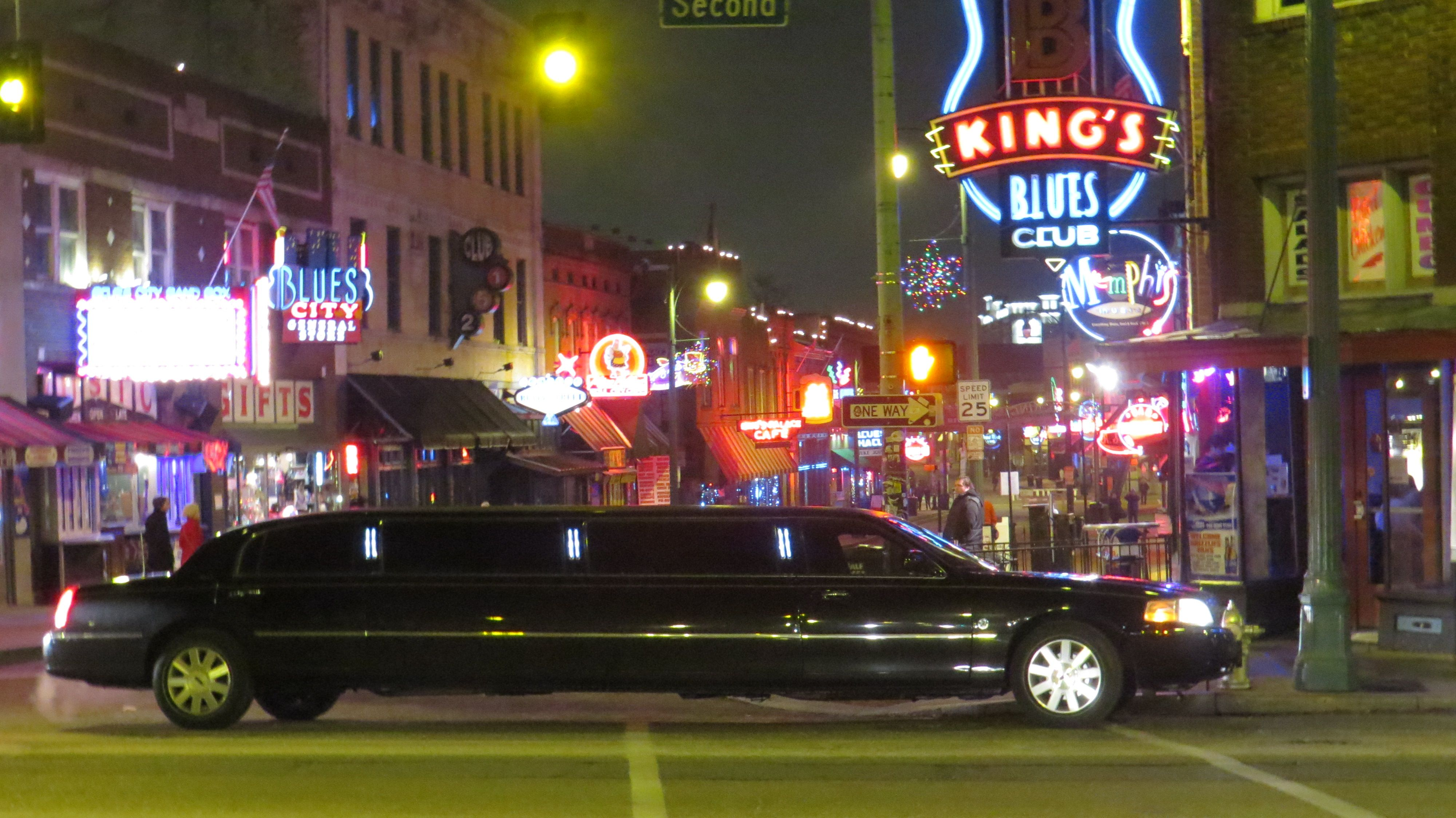 This Is The Presidential Limousine By A Posh Limousine In Memphis