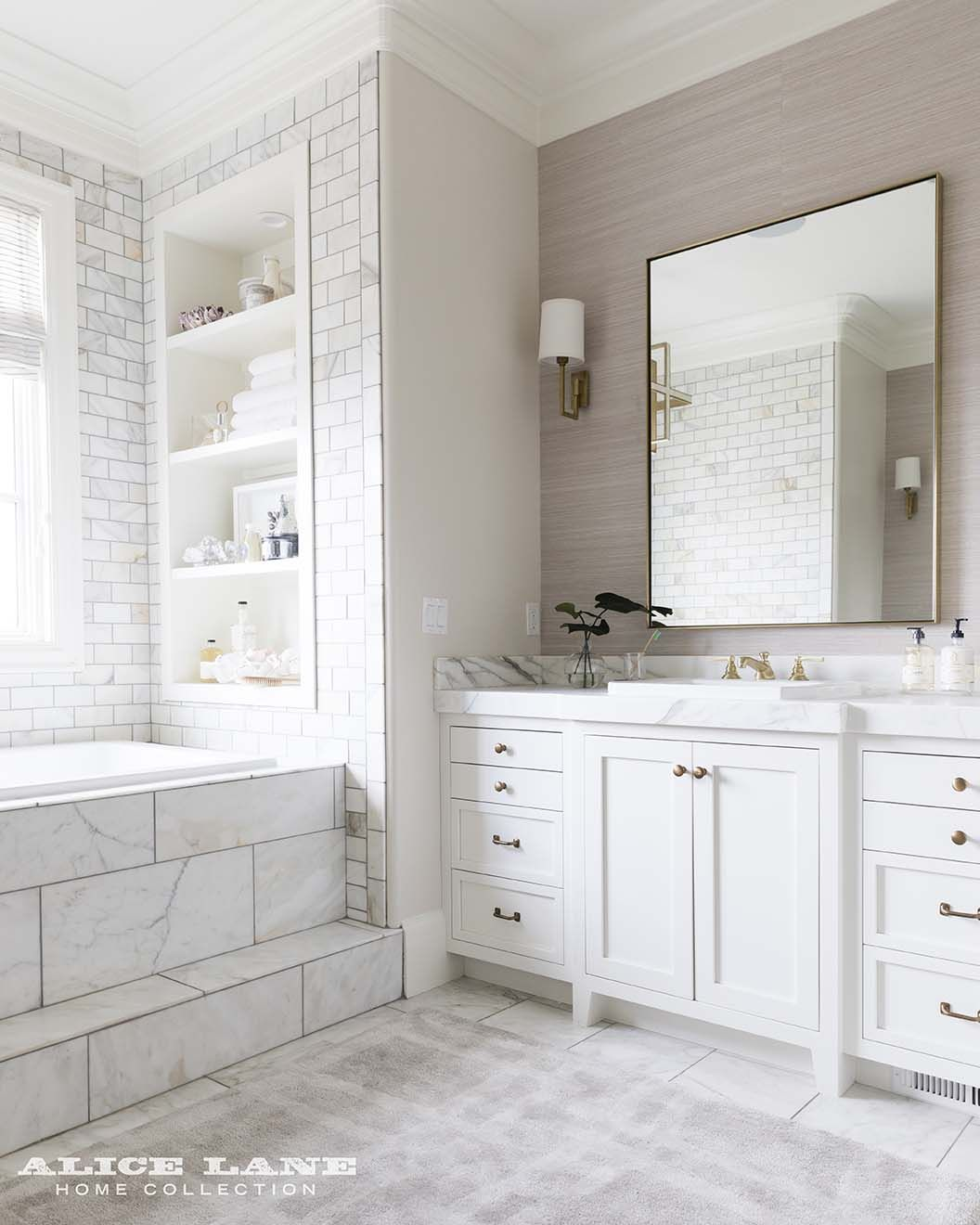 Gorgeous Master Bathroom With Grass Cloth Wall Paper And Marble Tiled Floors And Walls Design B Marble Bathroom Designs White Marble Bathrooms Trendy Bathroom